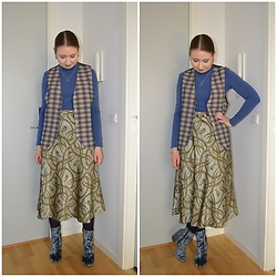 Mucha Lucha - Second Hand Waistcoat, Vrs Roll Neck Top, H&M Skirt, Asos Boots - Second attempt