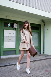 Andrea Funk / andysparkles.de -  - Beige Look with Sneakers