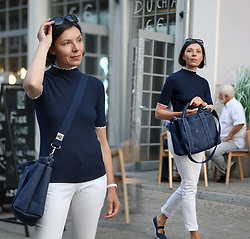 Minimalissmo .. - Joseph & Stacey Bag, Reserved Turtleneck - White jeans