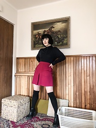 Weronika Bukowczan - Lost Ink Mini Skirt, Turtle Neck Navy Jumper, Primark Over Knee Socks, New Look Black Chunky Boots - Rachel Berry Inspired