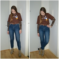 Mucha Lucha - H&M T Shirt, H&M Roll Neck Top, Glamorous Belt, Second Hand Jeans, Monki Boots - Denim with neutrals