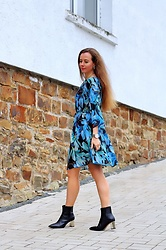 Rimanere Nella Memoria - More & Dress, Zara Boots - Flower Dress