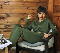 Jointy&Croissanty © - Femmeluxefinery Loungewear Set - Khaki loungewear set