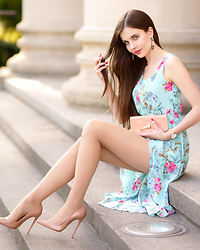 Ariadna M. -  - Floral dress