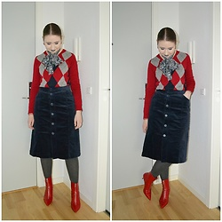 Mucha Lucha - Second Hand Scarf, Second Hand Jumper, Monki Skirt, Zara Boots - Added grey