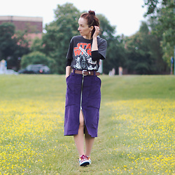 Iva K - Kappa Sneakers, Logoshirt Top, Diy Skirt - Purple skirt
