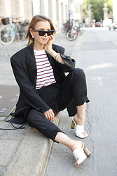 Anna Borisovna - Envelope 1976 Jacket, Mango Shirt, Envelope 1976 Pants, Céline Shoes - The Black Suit