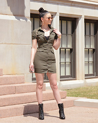 Raspberry Jam - Fashion Nova Khaki Utility Dress, Shein Snake Skin Bag, Boohoo Lace Up Boots - Khaki Utility Dress