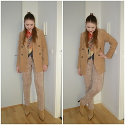 Mucha Lucha - Topman Shrit, H&M Blazer, Second Hand Trousers, Second Hand Boots - Almost all beige