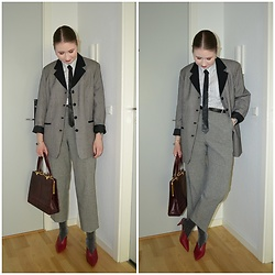 Mucha Lucha - Second Hand Blazer, Second Hand Shirt, Second Hand Tie, Second Hand Trousers, Second Hand Bag, Topshop Heels - Suit and tie