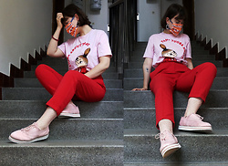 Hypersensitive M. - Thrifted Carrot Trousers, Thrifted Pink Oxfords, Thrifted Net Socks, Homemade Face Mask, Thrifted Marble Earrings, Moomin Little My T Shirt - Strawberry peach sangria