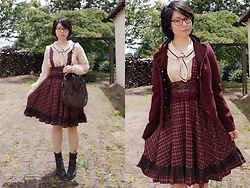 Nowaki Selenocosmia - Axes Femmes Wine Jacket, Axes Femmes Jumper Skirts - Old school