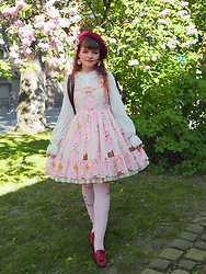 Siri ♧ - Amavel Beret, Angelic Pretty Blouse, Angelic Pretty Dress, Angelic Pretty Stockings, Enzo Poli Heels - Sweets