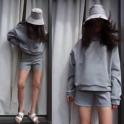 Aliya A - Somemoment Sweatshirt, Birkenstock Sandals - Grey Set