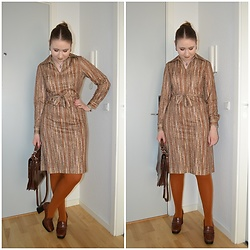 Mucha Lucha - Vintage Dress, Vintage Bag, H&M Tights, Mango Heels - That '70s dress