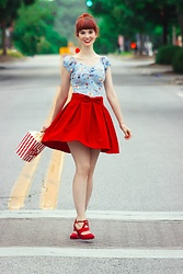 Bleu Avenue Ofbleuavenue - Collectif Loves Top Vintage Dolores Circus Top, Chic Wish Sweet Your Heart Red Bow Skirt, Bewaltz Pop Corn Novelty Cross Body Bag - Circus Print