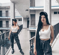 Vlada Kozachyshche - Cotton On Jogger Pants, Nike Cap, Nike Sneakers - GRUNGE