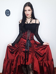 Raven von Strange - E&L By Lundqvist Corset, Scarlet Darkness Skirt, Lace Metal Paper Bat 3d Art, Crazy In Love Shop Crop Top, Pamela Mann Tights - Scarlet Darkness skirt 2