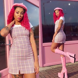 Shady Kleo - Bershka Tartan Dress, Dolls Kill Pink Heels, Pink Beret - Pretty B***h