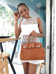 Melody Jacob -  - HOW TO STYLE A WHITE SHORT DRESS IN SUMMER