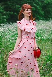Bleu Avenue - Shein Cherry And Heart Print Ruffle Blouse & Pleated Skirt, Unique Vintage Hard Vinyl Apple Novelty Crossbody Bag - Cherry-Oh!  bleu-avenue.blogspot.com
