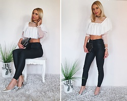 Sandra Kozłowska - Femmeluxefinnery White Crop Top - Leather pants & white crop top