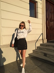 Aneta Kramarska - Pull & Bear Sweatshier, Mango Skirt - College girl