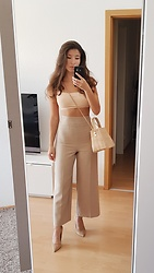 Carmen Schubert - Zara Beige Pants, Nude Crop Top, Zara Summerbag, Zara Nude Heels - All Beige