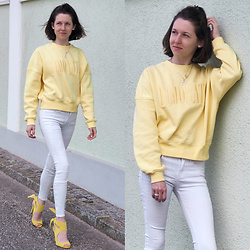 Claire H - H&M Yellow Boxy Shaped Sweater, Zara White Pants, Zara Heels, Thomas Sabo Jewelry - 🍋 LIMONATA 🍋