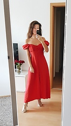 Carmen Schubert - Zara Red Summerdrese - Carmen Dress