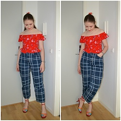 Mucha Lucha - H&M Top, Monki Jeans, Second Hand Heels - Red off-shoulder smock top