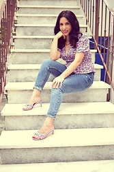 Life Stalkers - Stradivarius Floral Top, Jeffrey Campbell Shoes Floral Mules, Ripped Jeans - 90s Floral