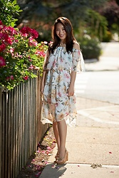Kimberly Kong - Red Dress Boutique Tiered Floral Maxi - Find of the Day: The Tiered Floral Midi Dress ($52)