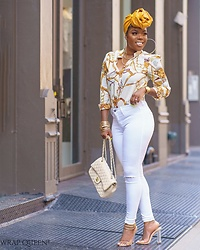 Kelly W -  - White Jeans Me Please!