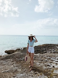 Mariana Garza - Pull & Bear Crop Top, H&M Straw Hat - Cozumel