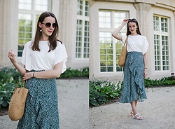 Ewa - Shein Midi Skirt - Summer afternoon