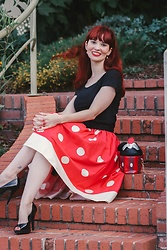 Bleu Avenue Ofbleuavenue - Unique Vintage Disney Minnie Skirt, Shein Mouse Cupcake Crossbody Bag - Disneybounding Minnie Mouse