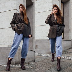 Jacky - & Other Stories Blazer, Mango Baggy Jeans, Omoda Boots - Two-toned Blazer and Baggy Jeans