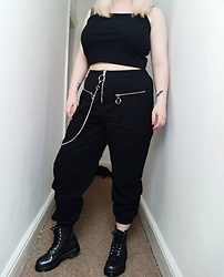April Willis - Shein O Ring Chain Top, Shein O Ring Zip Trousers, Dr. Martens Iridescent Crackle Boots - O-no you don't