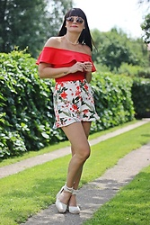 Moda_i_takie_tam - No Name Red Body, Zara Shorts - Lato jest po to...