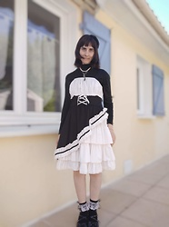 Lulu Longstocking - Bodyline Second Hand Dress - Gothic lolita