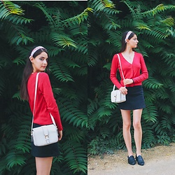 Nora Aradi - Stradivarius Bag, H&M Shoes, Stradivarius Skirt, H&M Sweater, Cotton On Bandana - End of July