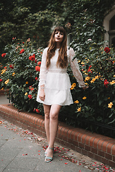 Andrea Funk / andysparkles.de -  - White Dress