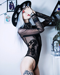 Kimi Peri - Restyle Snake Body, Disturbia Ring Choker, Restyle Moon Phase Hat - Mother of Snakes 🐍🖤