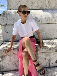 Anna Borisovna - H&M Shirt, Whowhatwear Skirt, Massimo Dutti Sandals - The Pink Skirt