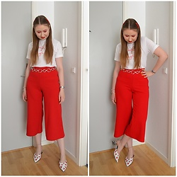 Mucha Lucha - H&M T Shirt, Asos Belt, New Look Culottes, Asos Heels - Red and white