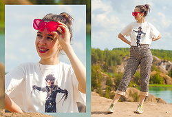 Treska Alina - Converse Yellow, H&M Leopard Jeans, Stradivarius T Shirt, Reserved Sun Glasses - Home hiking
