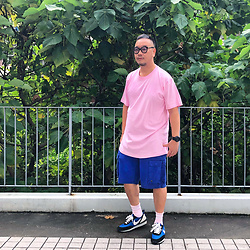 Mannix Lo - Oversize Tee, Cargo Shorts, Undercover X Nike Daybreak Sneakers - A tear is made of 1% water and 99% feelings