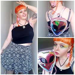 April Willis - Shein O Ring Chain Top, H&M Patterned Skater Skirt, Shein Doll Heart Earrings, Shein Alien Backpack, Nyx Professional Makeup Ultimate Shadow Palette, Manic Panic Psychedelic Sunset Dye - Alien twins