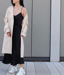 Kat I. - Ichi Coat, Lovkisilk Dress, Arkk Shoes - Sporty elegant